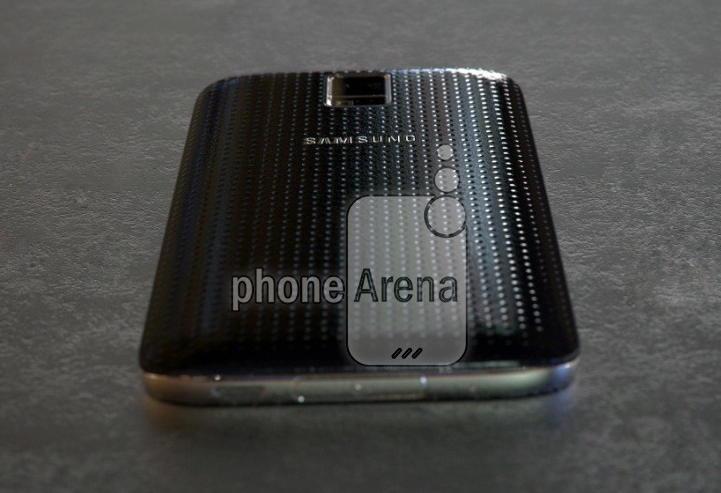 Samsung Galaxy S5 Prime: первые фото